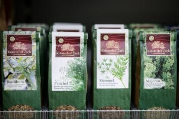 Gewürze und Tees vom Kräuterhof Zach